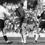Spurs Mackay gets hold of Leeds Bremner
